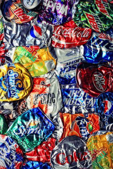 empty-cans-soda-liquid-candy